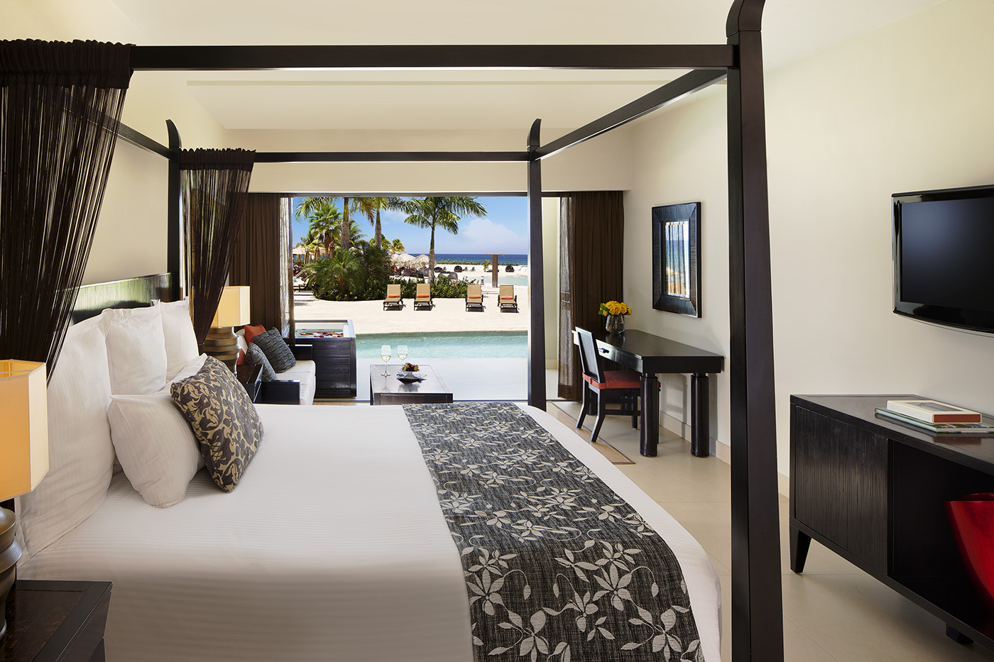 Secrets Wild Orchid Swim Out Suite