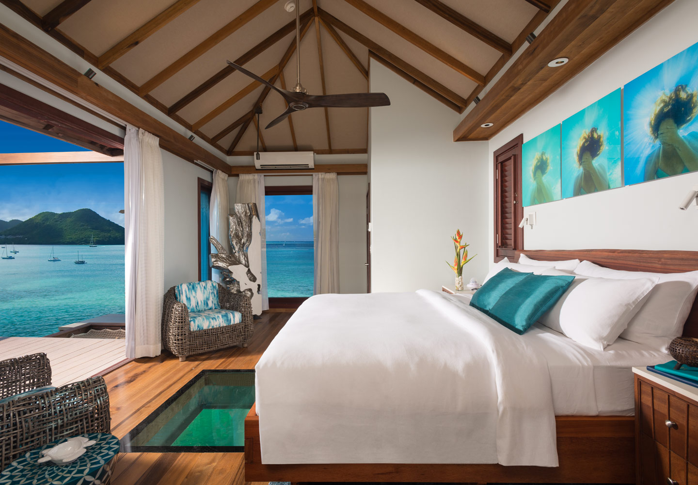 sandals-grande-over-water-bungalow