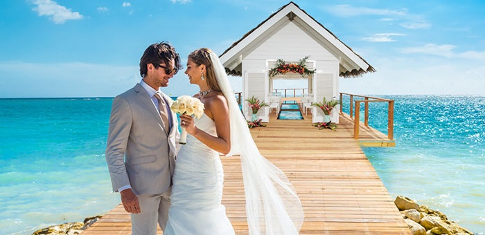 elope packages for 2 chapel